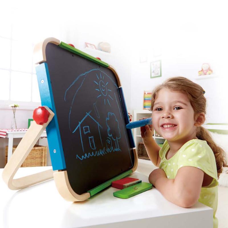 拿画板的小孩   素材